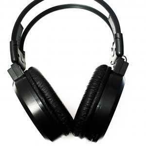 Auriculares MP3/FM/Recargable